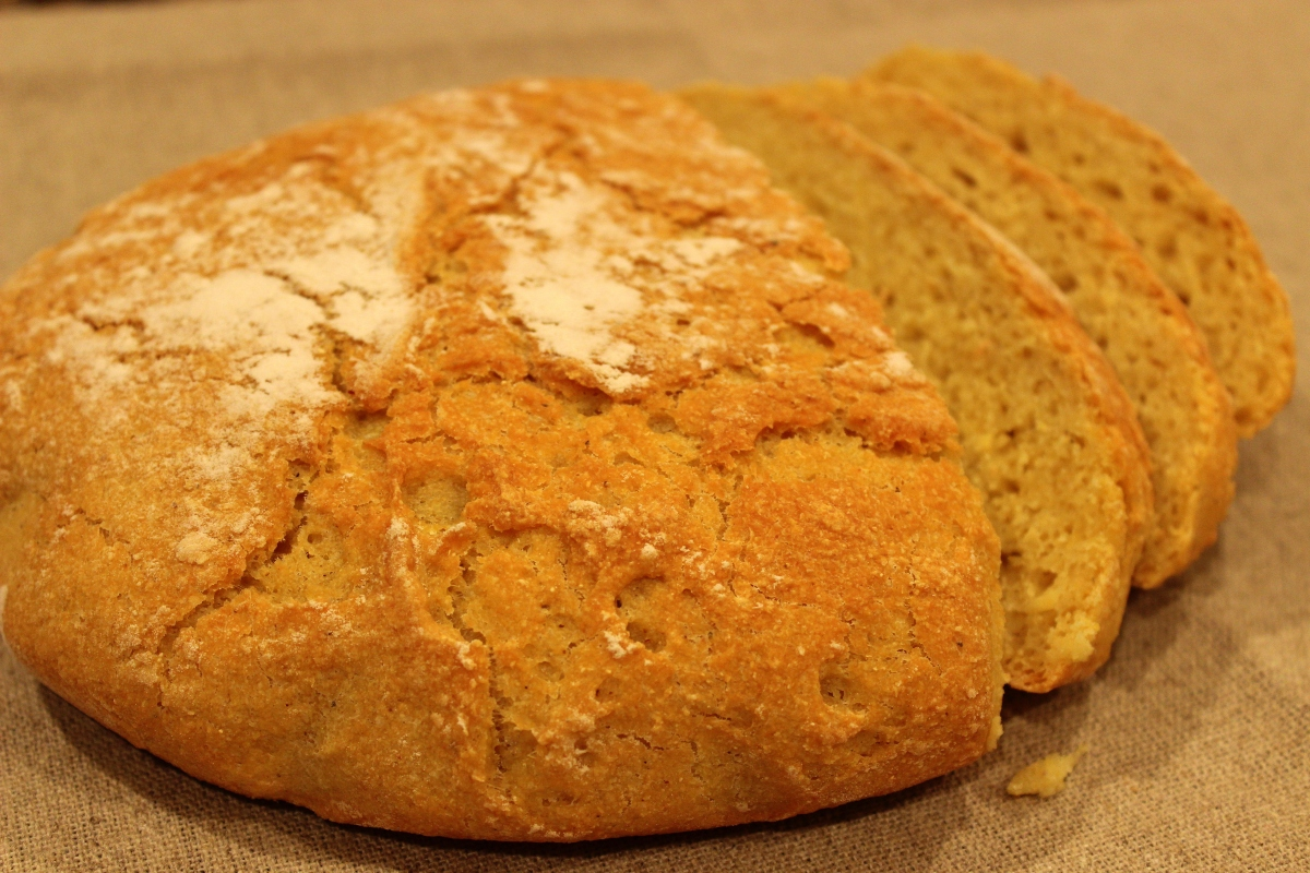 Broa (Portuguese Cornbread)